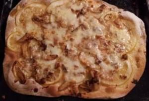 Pizza al parmigiano*