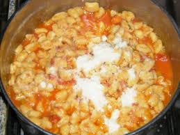 Ciciones (gnocchi)* (cucina tipica della Sardegna)