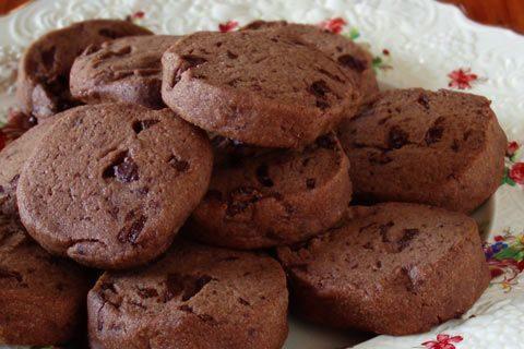 Biscotti cioccolato al latte e nocciole